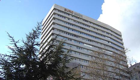 Bureau espagnol axon cable contacts dans le monde axon dans